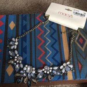 Bnwt statement necklace
